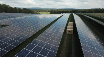 Large Solar Panel Array, Energy Storage, YSG Solar