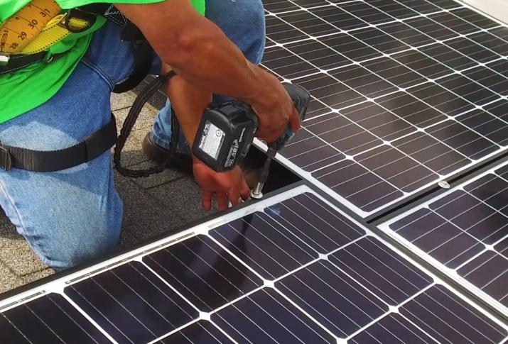 YSG Solar, Contractor installing solar panel, NY